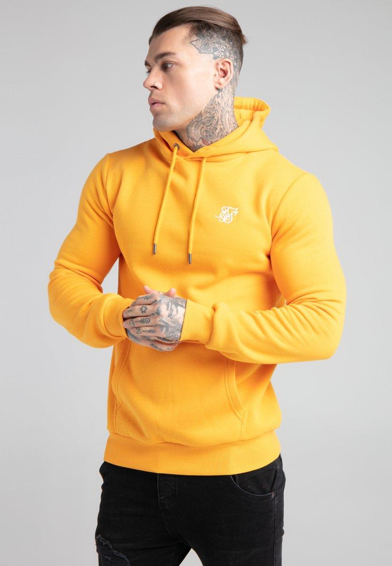 SIKSILK - BASIC OVERHEAD HOODIE UNISEX - Sweatshirt - yellow