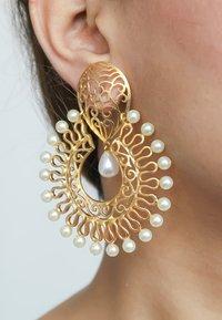 Bombay Sunset - AMRITSAR - Earrings - gold - 1