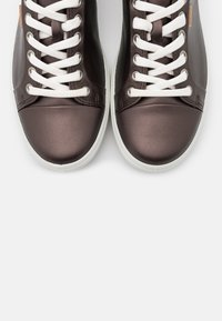 ECCO - SOFT - Sneakersy niskie - dark brown - 4