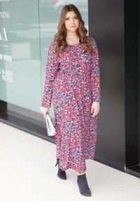 Sara Lindholm - Maxi dress - rot,blau,off-white - 1