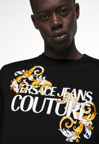 Versace Jeans Couture - LOGO - Long sleeved top - black/white/gold - 4