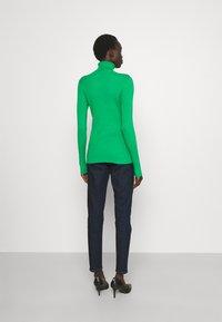 Lauren Ralph Lauren - TURTLE NECK - Neule - vivid emerald - 2