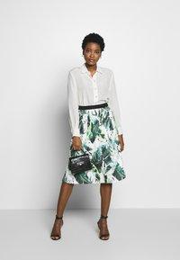 Betty & Co - A-line skirt - white/green - 1