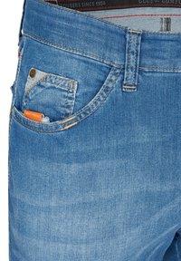 Club of Comfort - MIT HIGH-STRETCH - Slim fit jeans - hellblau 146 - 3