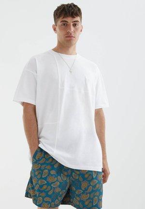 MIT AUFGESTICKTEM STWD-LOGO - T-shirt - bas - white