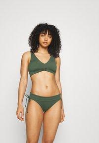 Seafolly - V NECK CROP - Bikini-Top - ivy - 1