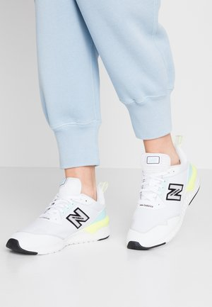 WS515 - Trainers - white