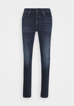 SCANTON SLIM - Jeansy Slim Fit - dynamic chester blue