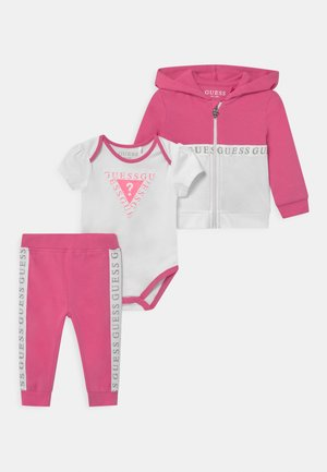 TAKE ME HOME SET - Cadeau de naissance - pop pink