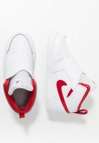 Jordan - SKY 1 UNISEX - Basketball shoes - white/summit white/varsity red - 0