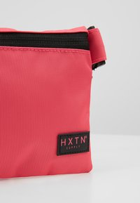 HXTN Supply - PRIME CROSSBODY - Rumpetaske - pink - 6