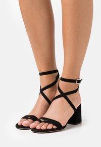L'Autre Chose - HEEL - Sandals - black - 0