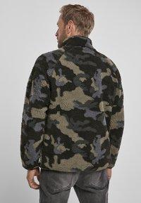 Brandit - Fleece jumper - darkcamo - 2