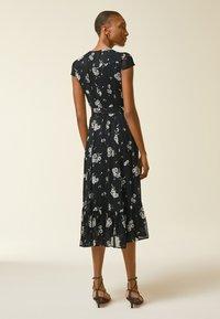 IVY & OAK - WRAP  - Denní šaty - aop/fine flower black - 2