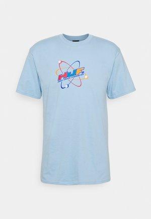 CHEMISTRY TEE - T-shirt imprimé - light blue