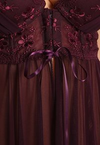 LASCANA - Nightie - aubergine