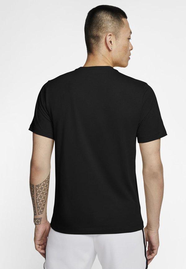 Nike Sportswear TEE ILLUSTRATION - T-shirt z nadrukiem - black/white/czarny Odzież Męska DHIE