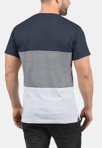 Solid - Print T-shirt - light gray - 1