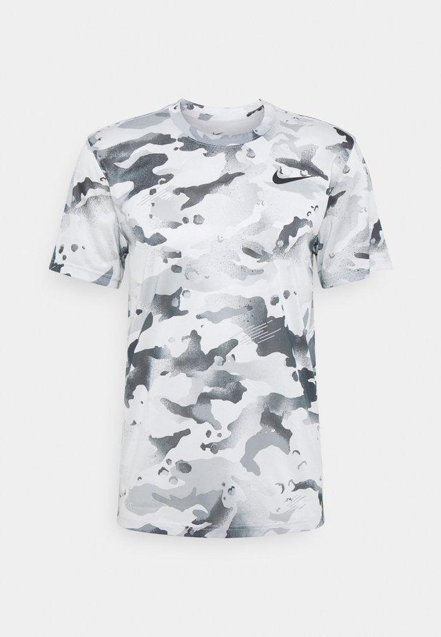 DRY TEE CAMO - T-Shirt print - photon dust/dark smoke grey