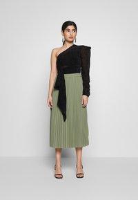 Selected Femme Petite - SLFJOSIE MIDI SKIRT PETITE - A-line skirt - oil green - 1