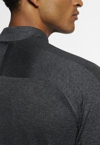 Nike Golf - DRY TOP HALF ZIP - Funktionströja - black/dark grey/black - 3