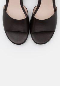 ECCO - SHAPE - Wedge sandals - coffe nova - 5