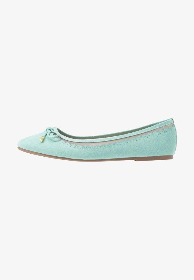 PIPPA SCALLOP ROUND TOE  - Ballet pumps - green