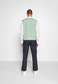 Nike Sportswear - VEST - Waistcoat - silver pine - 2
