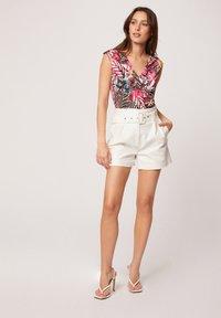Morgan - Print T-shirt - neon pink - 1