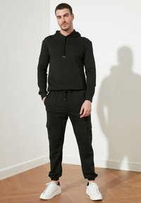 Trendyol - Reisitaskuhousut - black - 3