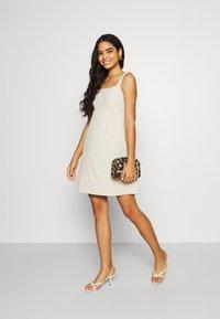 Fashion Union - SPIN DRESS - Kjole - cream - 1
