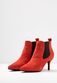 Shoe The Bear - AGNETE CHELSEA  - Ankle boots - red - 4