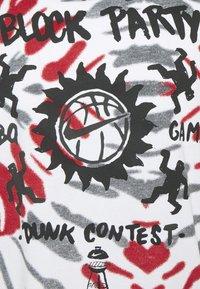 Nike Performance - FEST TEE - T-shirts print - white/black/gym red - 7