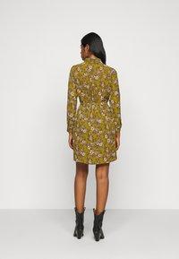 Vero Moda Petite - VMSAGA  - Shirt dress - fir green/stasia - 2