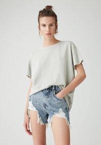 PULL&BEAR - Basic T-shirt - light grey - 0
