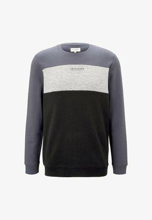 Sweater - blueish grey
