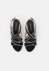 Cosmoparis - ZOLI - Sandals - noir/vert - 5