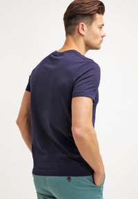 GANT - ORIGINAL SLIM V NECK - T-paita - evening blue