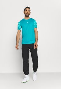 Nike Performance - Print T-shirt - aquamarine/tropical twist/white - 1