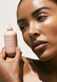ELEMIS - SUPERFOOD GLOW PRIMING MOISTURISER - Face cream - - - 1