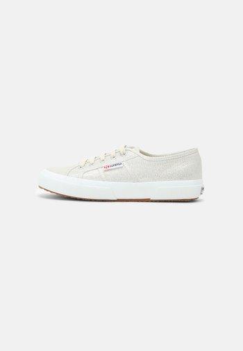 LAMEW - Sneakersy niskie - beige gesso