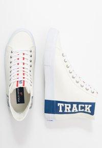 Polo Ralph Lauren - SOLOMON  - High-top trainers - chic cream/newport - 1
