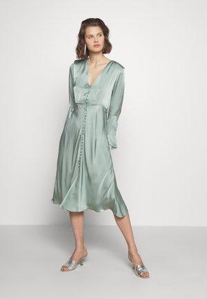 ANNABELLE DRESS - Blusenkleid - green
