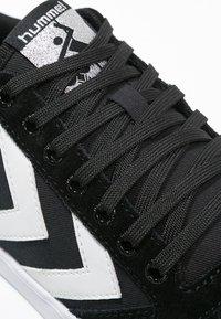 Hummel - SLIMMER STADIL - Sneakers basse - black/white - 5