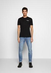 Iceberg - BACK LOGO - T-shirts med print - nero - 1