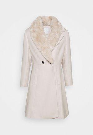 SPENCER CURVE FUR COLLAR COAT - Klasický kabát - cream
