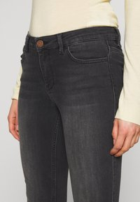 2nd Day - SALLY CROPPED THINKTWICE - Slim fit jeans - black denim - 4