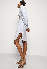 DESIGNERS REMIX - UMBRIA DRESS - Shirt dress - cream/blue - 4