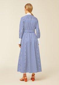 IVY & OAK - Robe longue - stripe - illuminate blue - 1