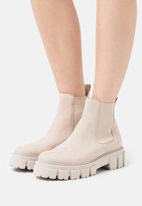 Kennel + Schmenger - VIDA - Classic ankle boots - desert - 0